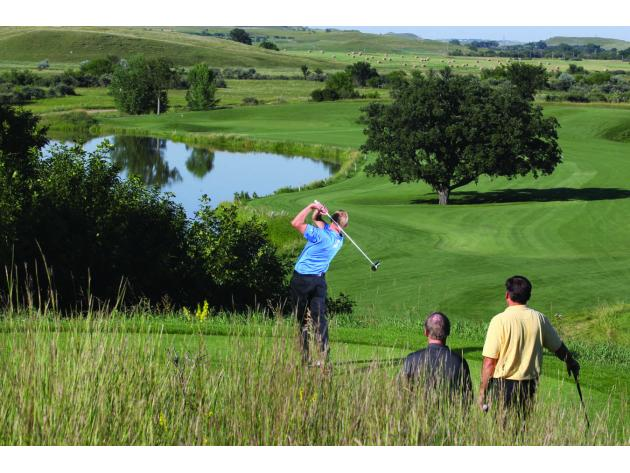 North_Dakota_Attraction_Hawktree_Golfing_JG